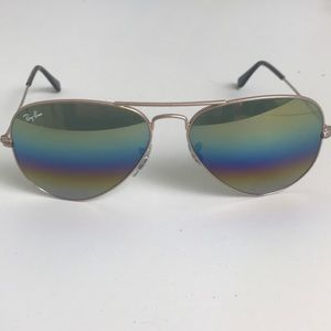 Ray Ban RB 3025 large mirrored aviators
